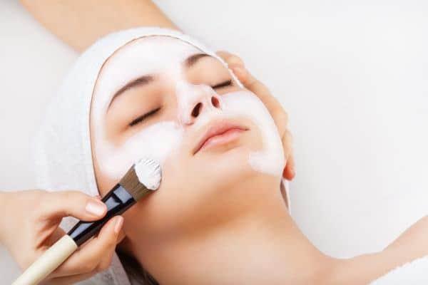 Eine Gesichtsbehandlung Zürich - Hautverjüngung