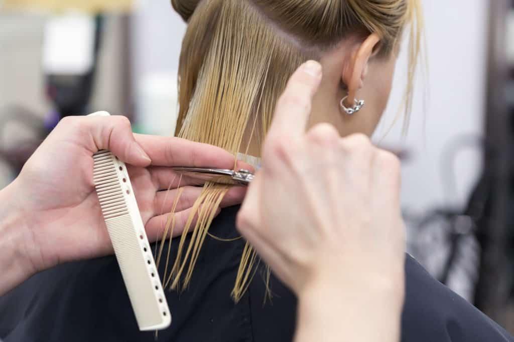 Salon de Coiffure,Coupe de cheveux féminine