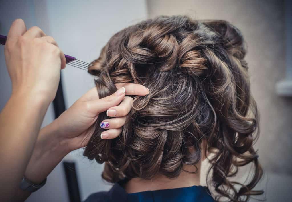 Cheveux courts pour femme